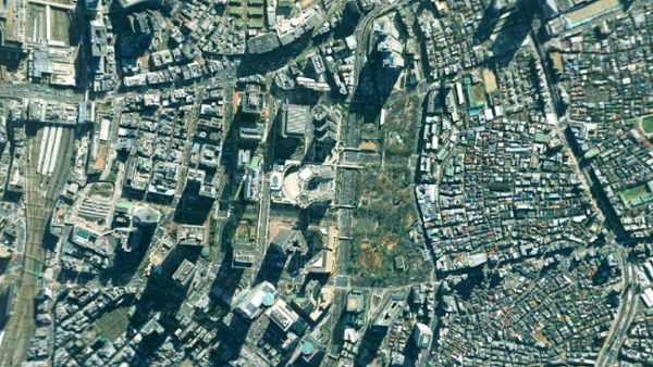 Zoom in from space down to a city on Earth 5